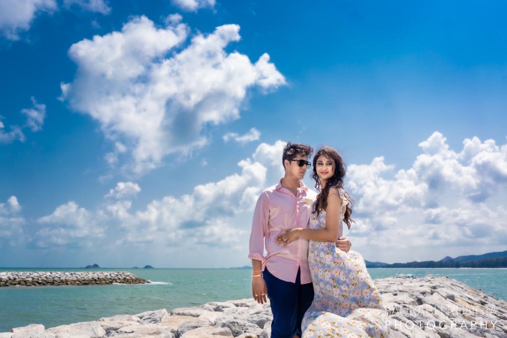 Swati & Saket's Cute Portrait Picture in their Pre Wedding Photoshoot in Thailand