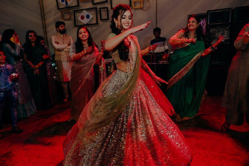 Somi's Dance Performance at Mehendi Ceremony in Raipur