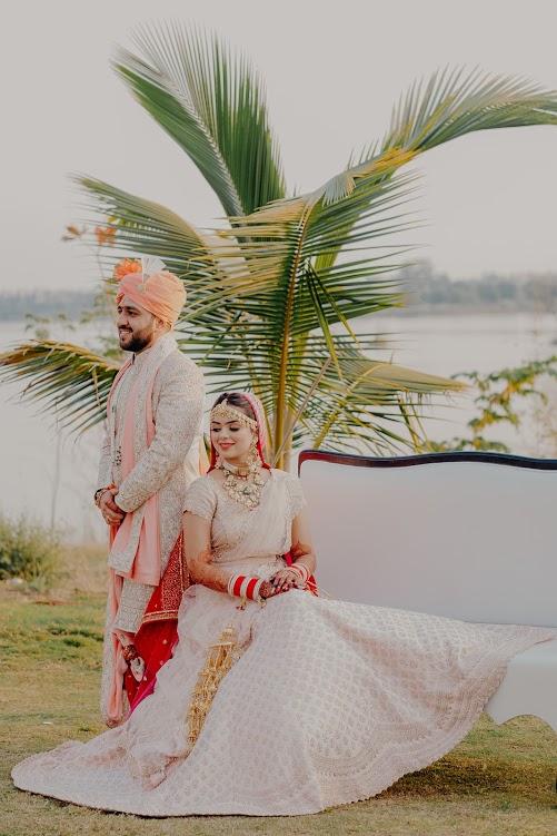 Mayfair Raipur Wedding Couple Photoshoot