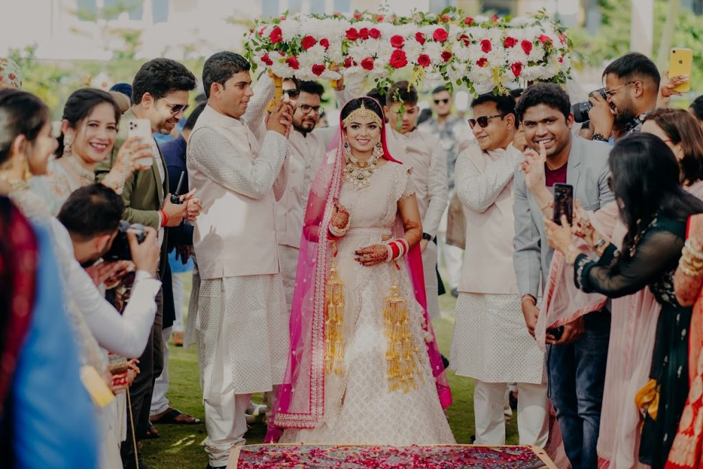 Somi's Bridal Entry under beautiful Phoolon Ki Chadar