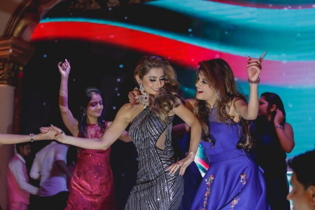 Kanika dancing with Bridesmaids at Sagan Ceremony in Delhi