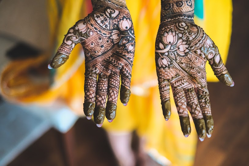 Aahana's Arab-Indian Bridal Mehendi Design for Destination Wedding in Dubai