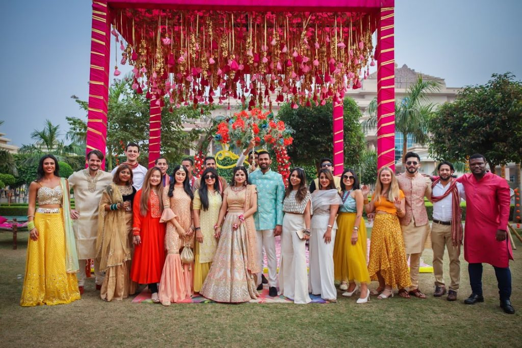 Post Mehendi Function Family Picture from ITC Grand Bharat Wedding