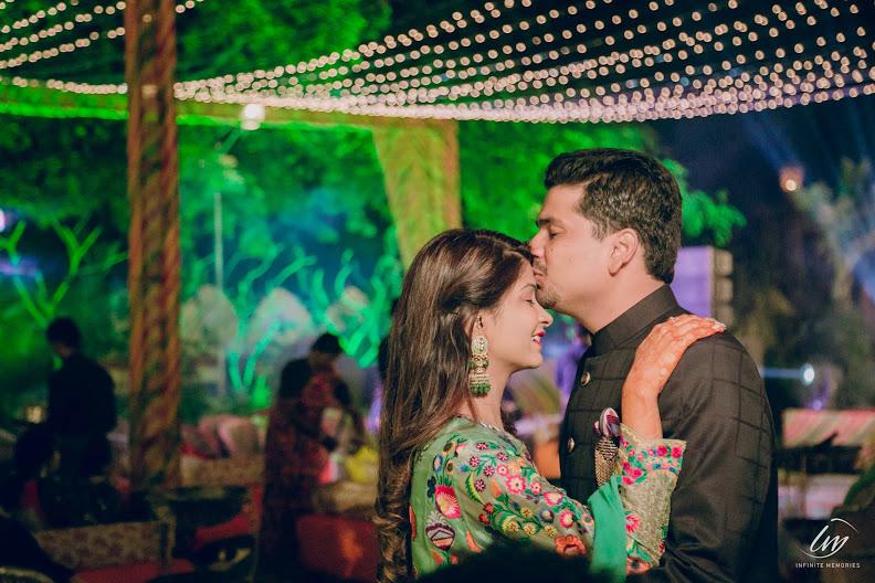 Beautiful Rajasthani Welcome Dinner Shot captured from Royal Marwari Wedding