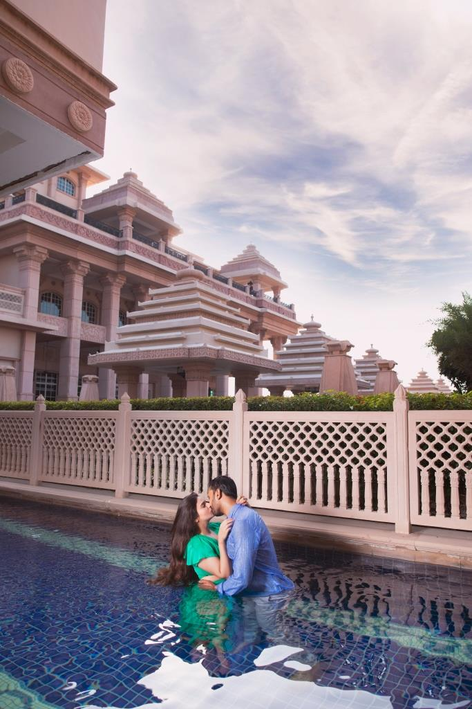 Lovely Portraits of Aakriti and Hitesh from ITC Grand Bharat Pre-wedding Shoot