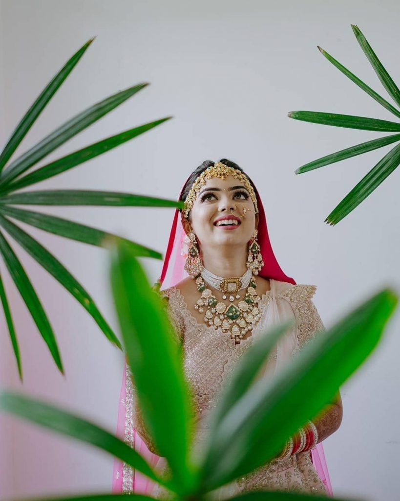 Beautiful & Unique bridal solo of Somi in a leaf frame by Ombre by Harsheen Jammu