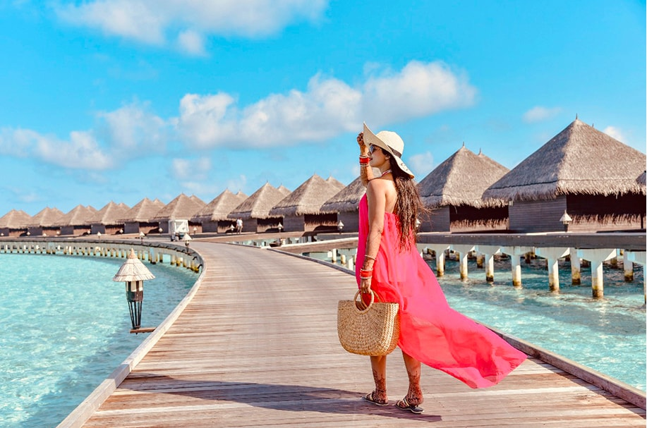 Somi captured in Maldives while taking a relaxing stroll at her Honeymoon in Maldives post the royal Mayfair Raipur Wedding
