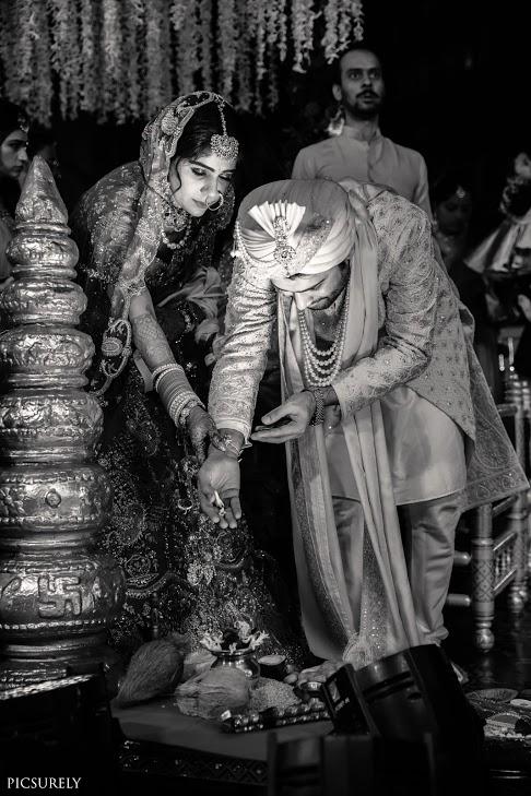 Indian Wedding Rituals followed by Harsha & Kunal at their Sindhi-Punjabi Beach Wedding in Mumbai