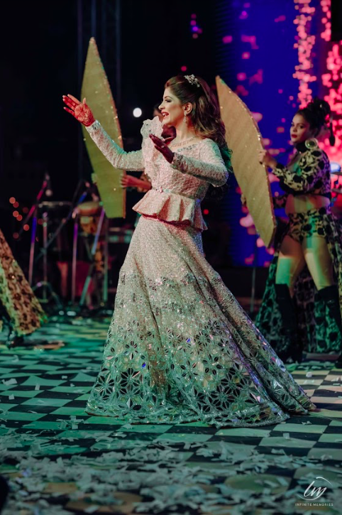 Bridal Solo Dance Portraits from Sangeet Function of this Luxury Wedding in Jaipur