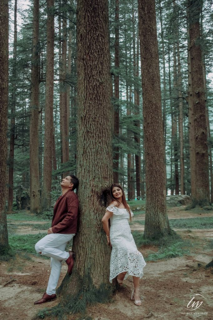 Akansha & Ankit's Picturesque Portraits from their Pre-wedding Shoot in Manali
