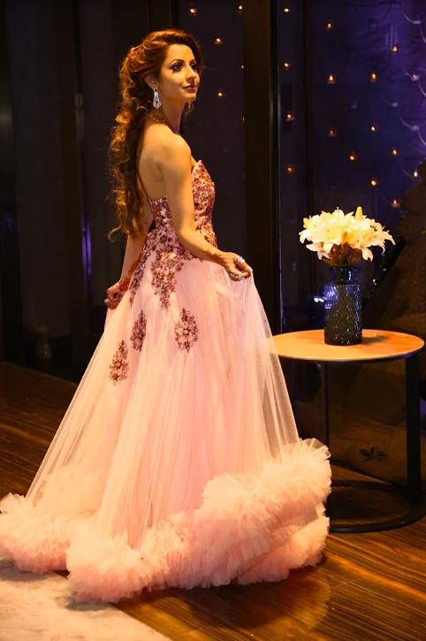 Kanika's Lovely Engagement Portrait clicked before her Dubai Destination Wedding
