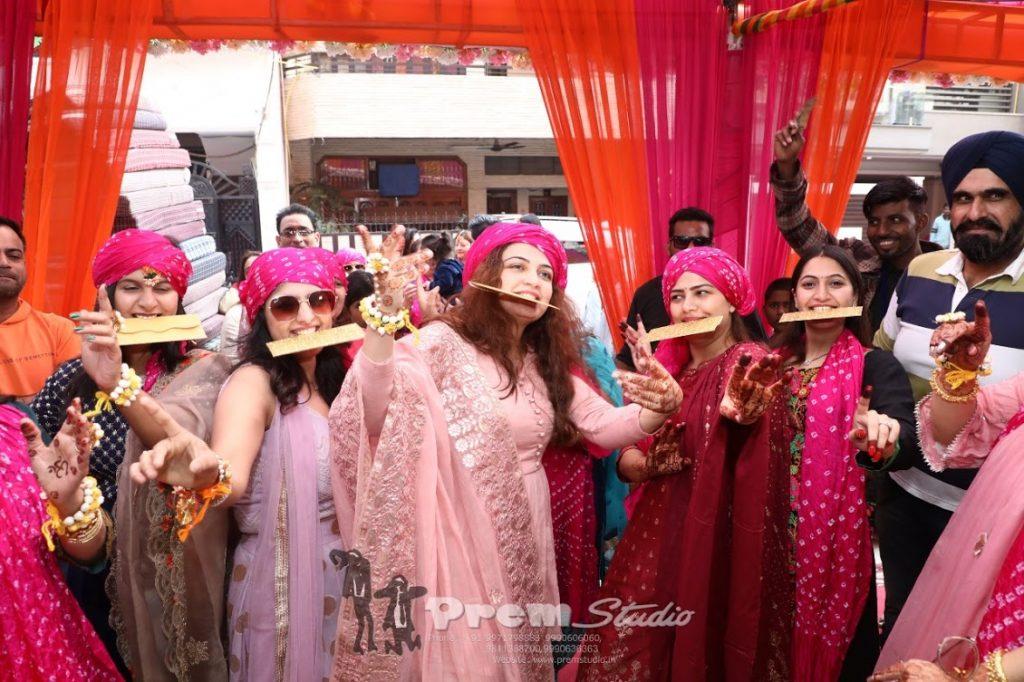 Fun at Haldi Ceremony of this Indian Luxury Wedding in Delhi